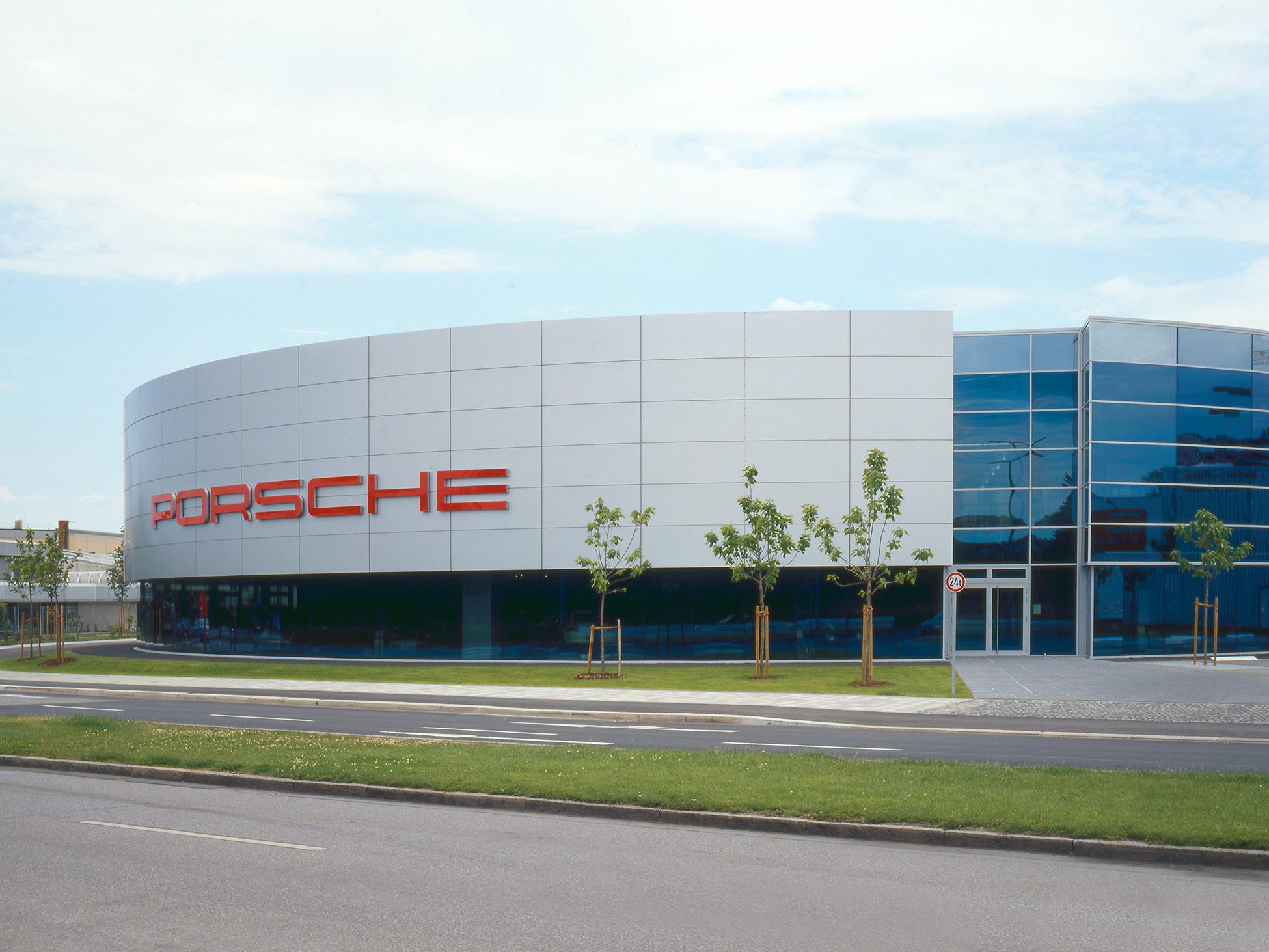 Porschezentrum - Drygalskiallee
